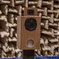 Loudspeakers1002